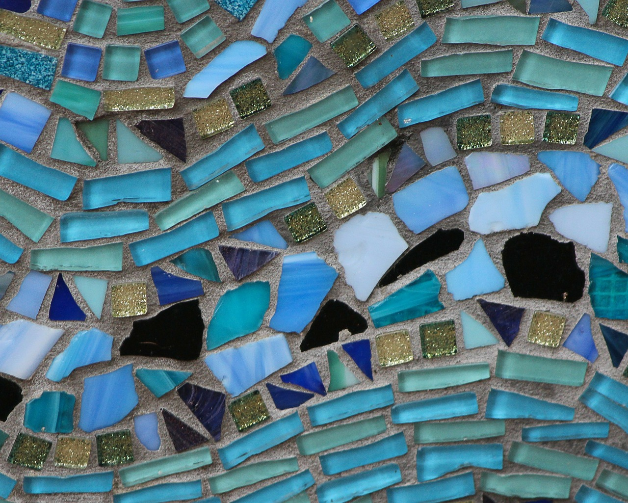 Fun and Relaxing Mosaics Workshop at Greenwich